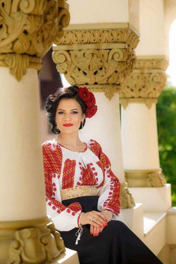 Ie tradițional românească - Model ANTONIA