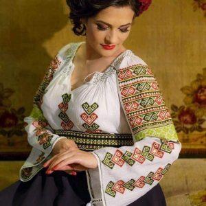 Ie traditional romaneasca, cusuta manual - Model CLAUDIA