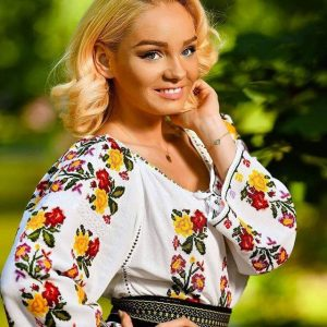 Ie tradițional românească – Model MARA