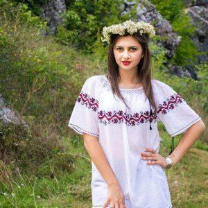 Ie tradițional românească - Model VIORELA