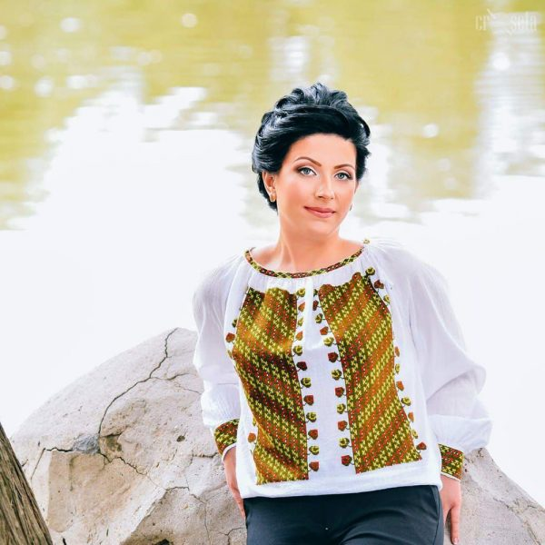 Ie traditional romaneasca, cusuta manual - Model SARA