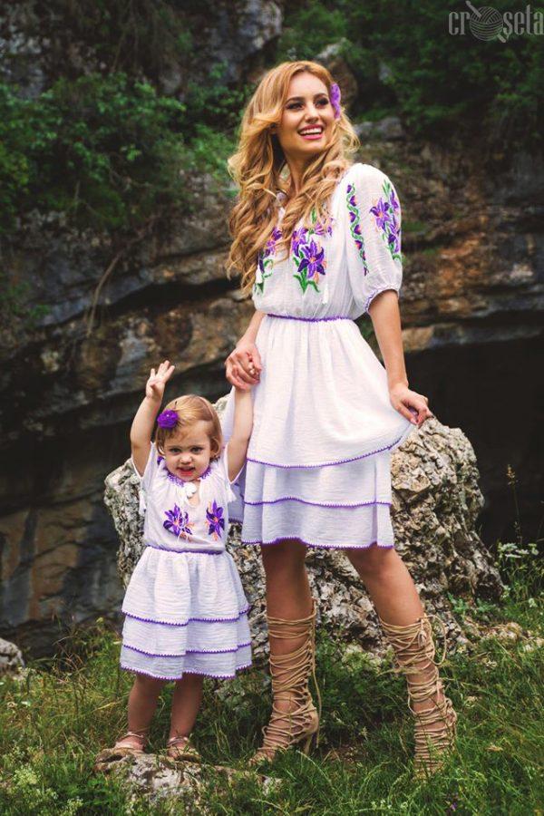Set mama-fiica Rochii traditionale cusute manual - Model LILIANA