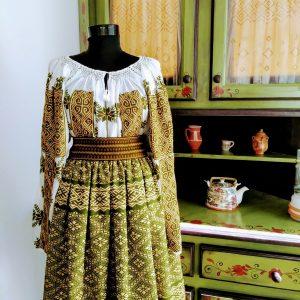 Costum popular model SOFIA