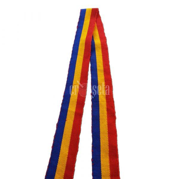 Brâu tricolor românesc țesut manual