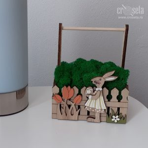 Aranjament din lemn pentru Paște, cu licheni naturali verzi