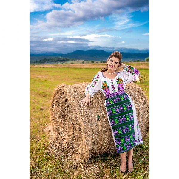 Costum popular cu oprege oltenești - Model NATALIA